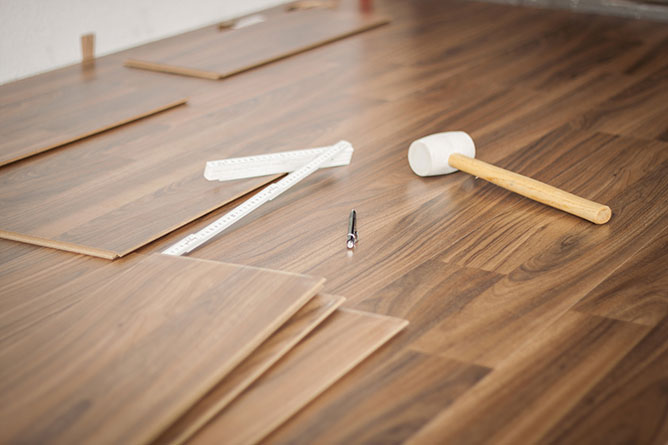 Cost To Install Laminate Flooring, How Much Does It Cost To Install Laminate Flooring On Stairs